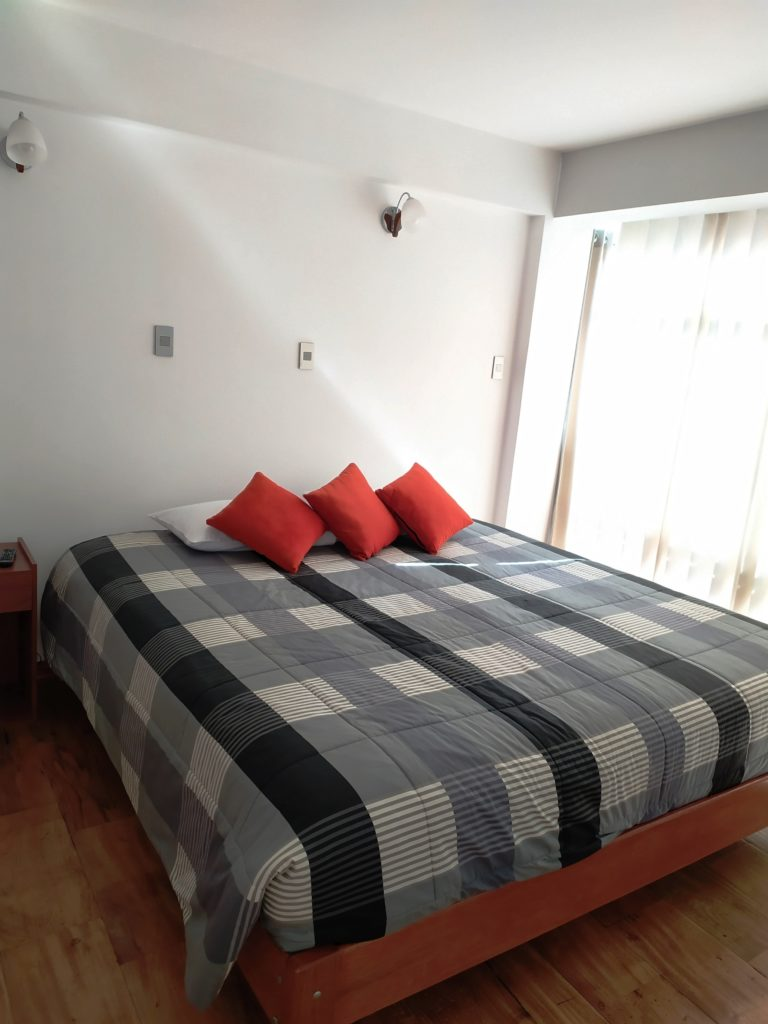 cama extra grande matrimonial hostal real house cusco